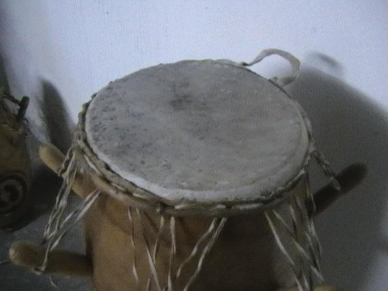 basstrommeln set aus ghana